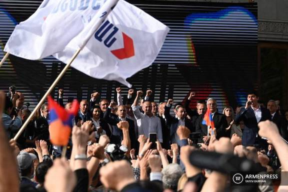 'Armenia Alliance' Introduces Slate for June Elections