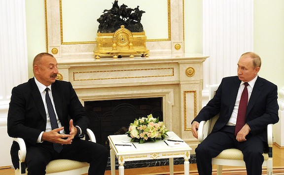 Putin Tells Aliyev to Find 'Compromise Solutions'