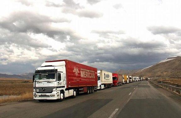 Iran Closes Routes to Turkish Trucks