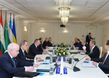 Armenian, Azerbaijani Foreign Ministers Discuss Karabakh Conflict
